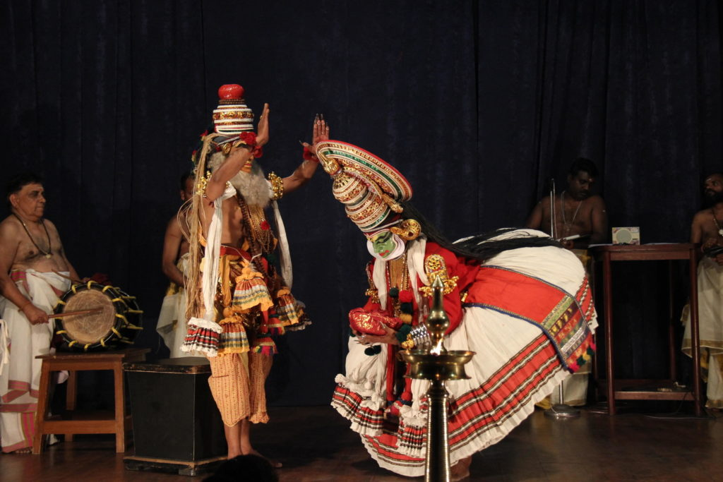 kathakali-performace-article