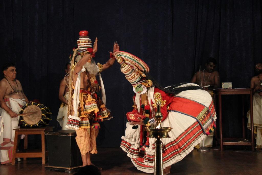 kathakali-performace-article