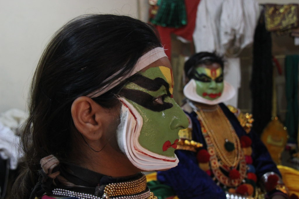 kathakali-make-up-article